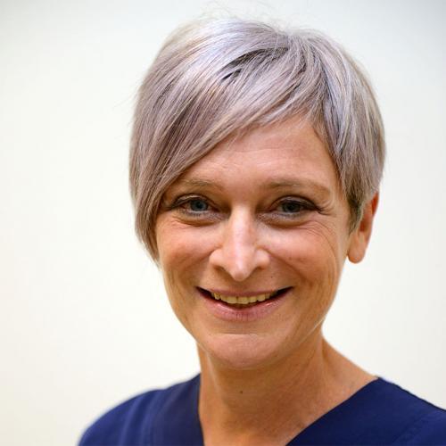 Dr. Birgit Renard